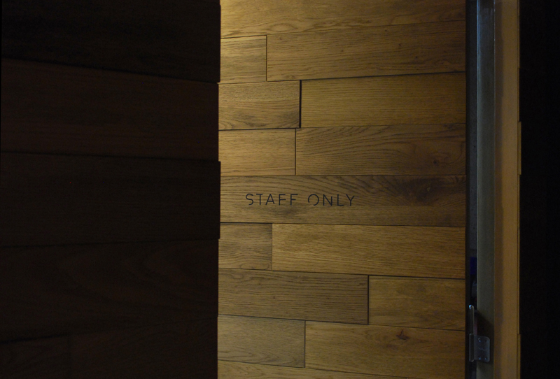 05 hotel-risveglio_door-sign_2